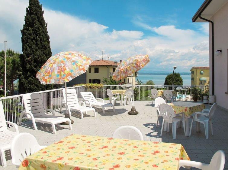 Ferienwohnung Poggio al Lago (SIR101) in Sirmione - 5 Personen, 2 Schlafzimmer, holiday rental in Sirmione