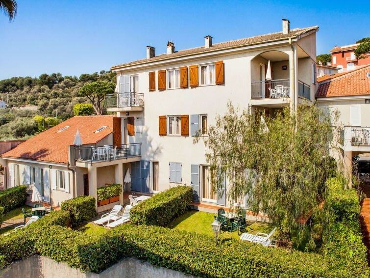 Ferienwohnung Il Borgo della Rovere (SBM120) in San Bartolomeo al Mare - 4 Perso, vacation rental in San Bartolomeo al Mare