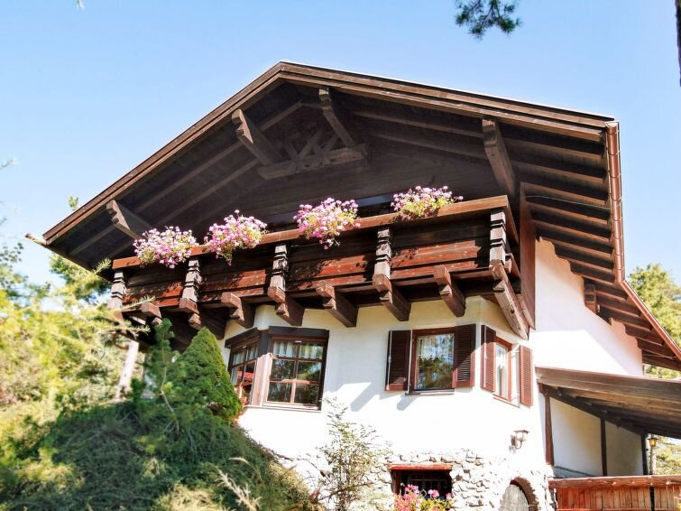 Vacation home Haus Solea  in Hoch - Imst, Pitztal - 8 persons, 3 bedrooms, holiday rental in Arzl im Pitztal