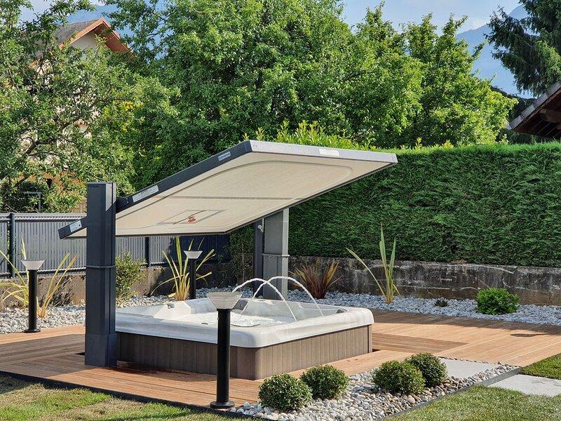 Appartement de standing de 4 personnes dans maison de ville à 3 km de Chambéry, location de vacances à Lepin-le-Lac