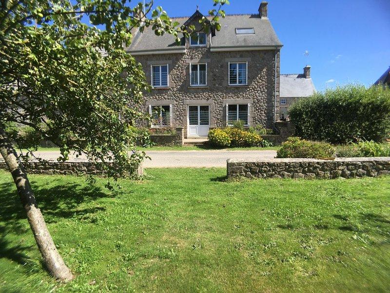 Maison de vacances à 500M de la mer, location de vacances à Montfarville