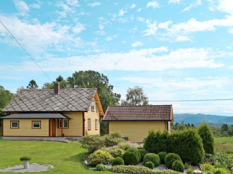 Ferienhaus Gulehuset (FJH608) in Reksteren - 8 Personen, 5 Schlafzimmer, holiday rental in Stord Municipality