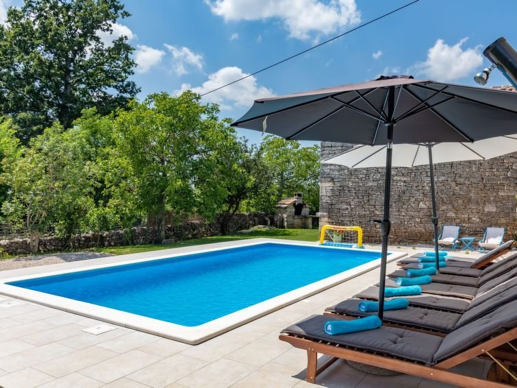 Vacation home Haus Marija  in Zminj, Istria - 12 persons, 3 bedrooms, holiday rental in Zminj