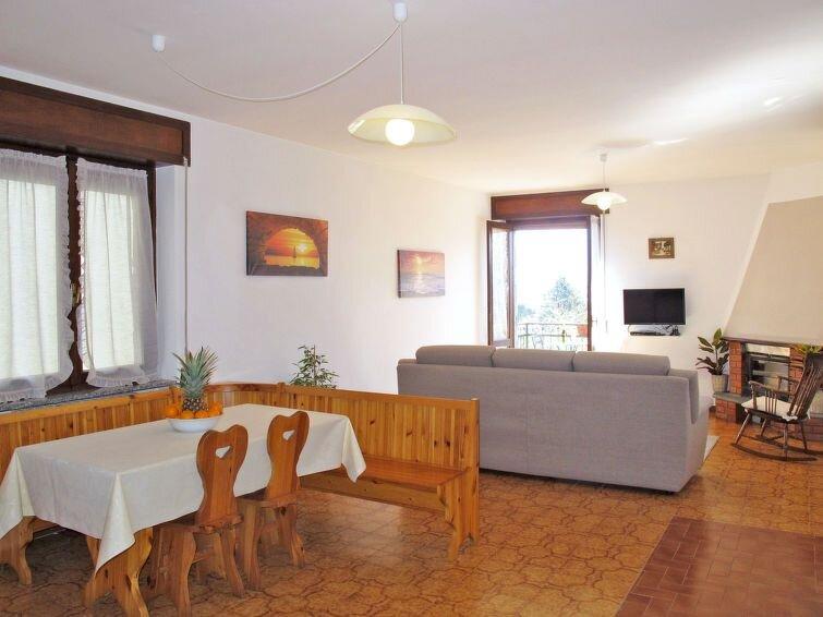 Ferienhaus Simoni (GLA107) in Gera Lario - 4 Personen, 2 Schlafzimmer, holiday rental in Sorico