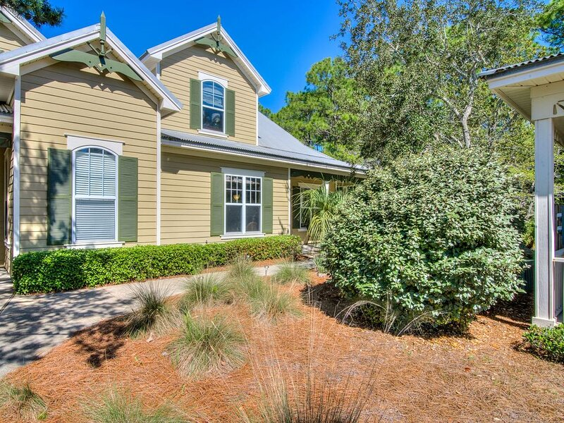 Live The Good Life! - Beautiful 3.25 Cottage with Remodeled Master Bath!, location de vacances à Gulf Shores