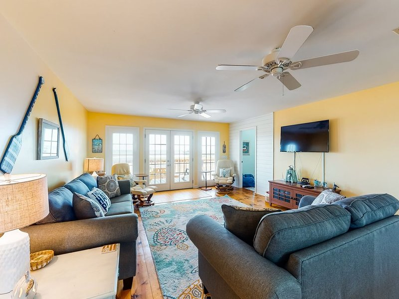 Dog-friendly, water view beach house w/ a full kitchen, furnished deck, & views, holiday rental in Coden