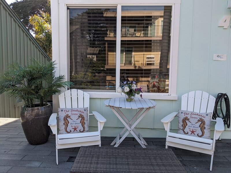A Few Steps From Beach, Harbor & Crow's Nest; Views Of Each From Quiet Home, vacation rental in Santa Cruz