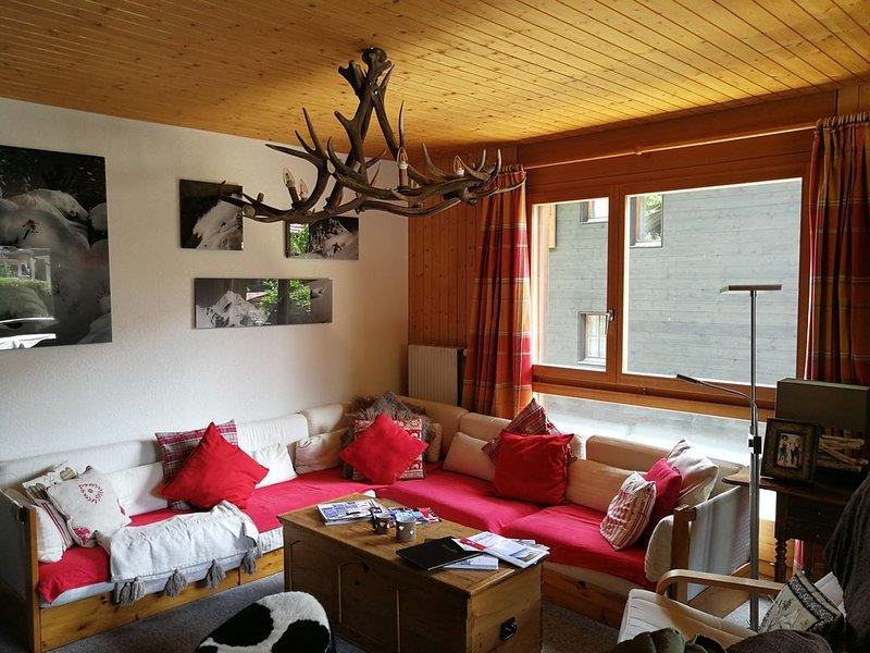 Chalet tout confort - 4 chambres pour 10 personnes - Navette à proximité, aluguéis de temporada em Champoussin