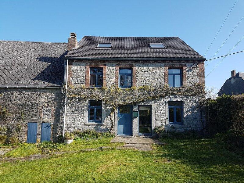 Gite 7'ici - Gîte de charme au cœur de la Haute-Meuse belge, holiday rental in Waulsort