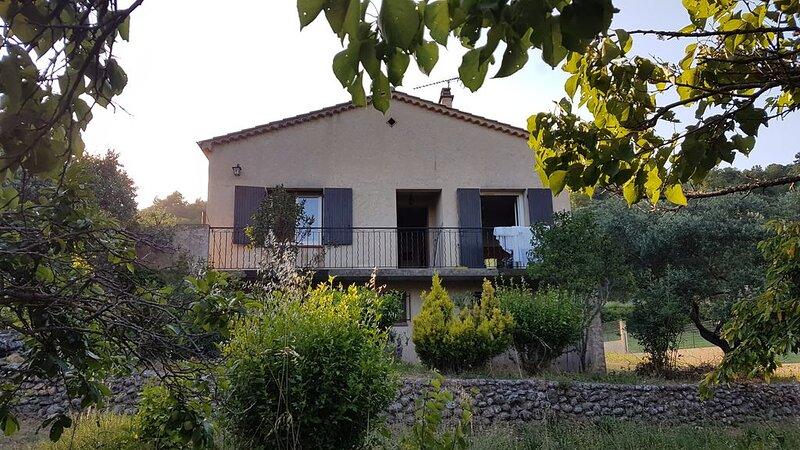 Maison indépendante en périphérie de Riez, holiday rental in Valensole