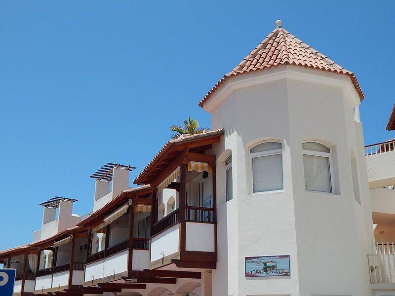 Cosy appartment in La Caleta - South Tenerife, holiday rental in La Caleta