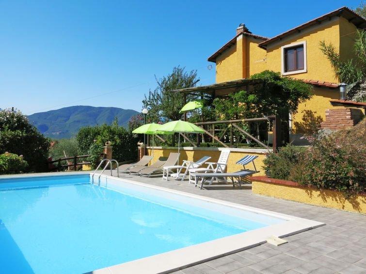 Ferienhaus Michael e Patrick (CNG210) in Castelnuovo di Garfagnana - 7 Personen,, holiday rental in Villa Collemandina
