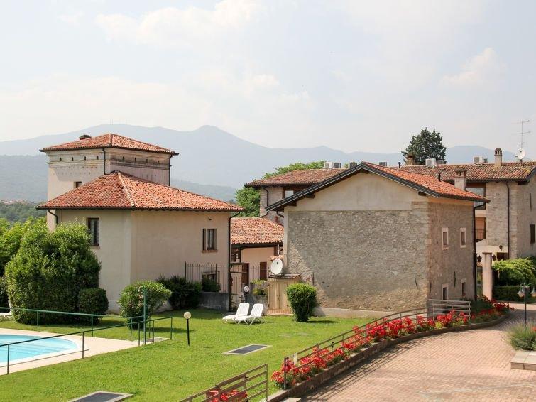 Ferienhaus Il Colombaro (SLO202) in Salo' - 6 Personen, 2 Schlafzimmer, location de vacances à Salo
