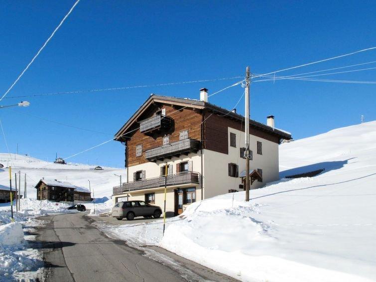 Ferienwohnung Guido (LII698) in Livigno - 4 Personen, 2 Schlafzimmer, holiday rental in Trepalle