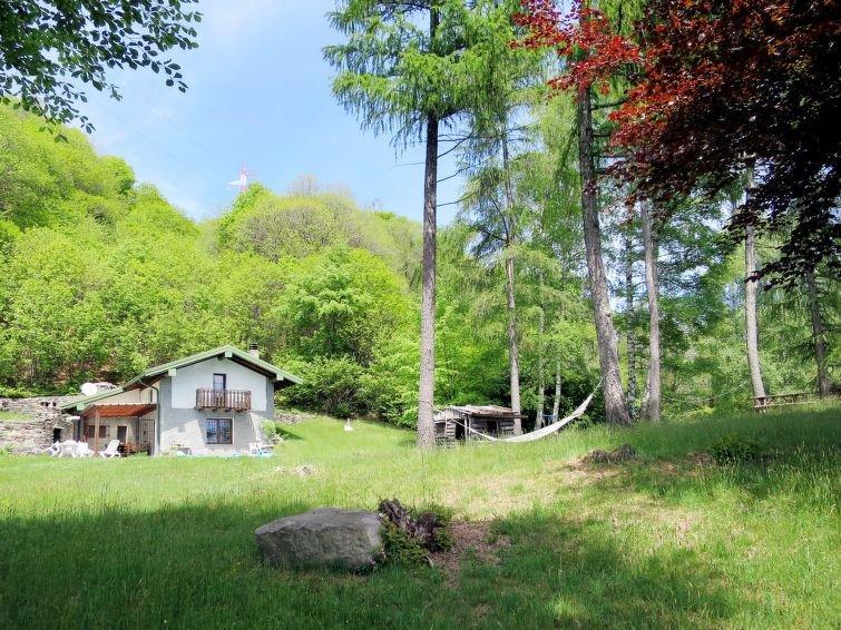 Ferienhaus Baita Nini (CNR 530) in Cannero Riviera - 6 Personen, 2 Schlafzimmer, vacation rental in Province of Verbano-Cusio-Ossola
