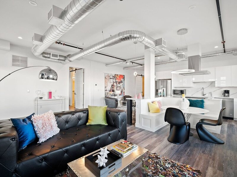 RiNo Art Lofts-Funky District!, holiday rental in Commerce City