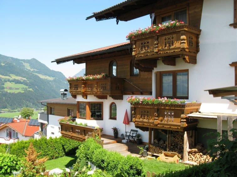 Ferienwohnung Marianne (FGZ163) in Fügen - 4 Personen, 1 Schlafzimmer, holiday rental in Hart im Zillertal
