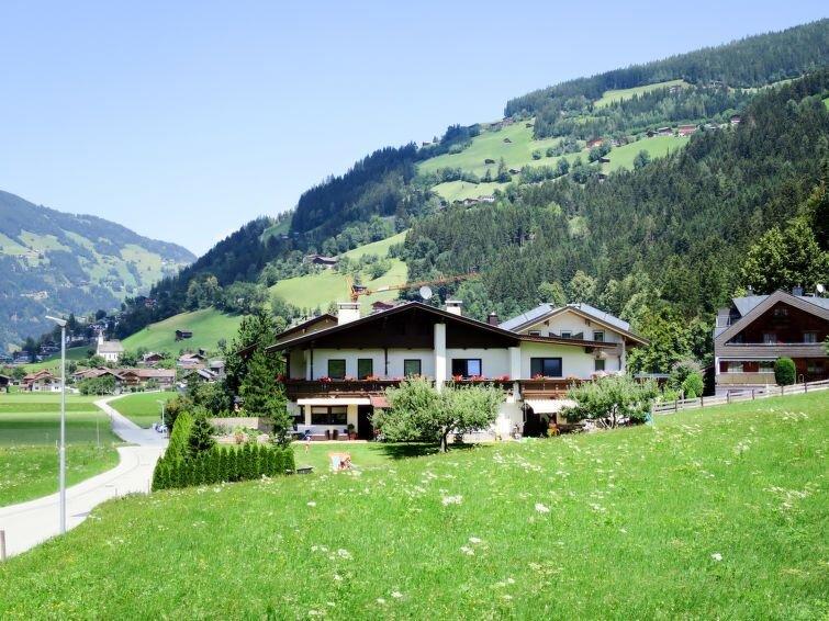 Vacation home Haus Pendl  in Ramsau, Zillertal - 7 persons, 2 bedrooms, alquiler vacacional en Hippach