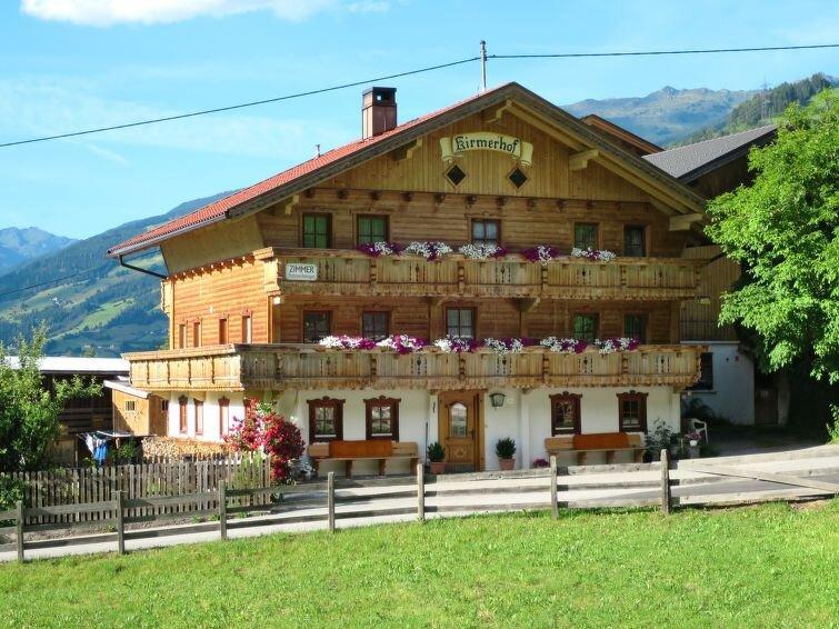 Ferienwohnung Kirmerhof (ZAZ315) in Zell am Ziller - 14 Personen, 6 Schlafzimmer, holiday rental in Hainzenberg