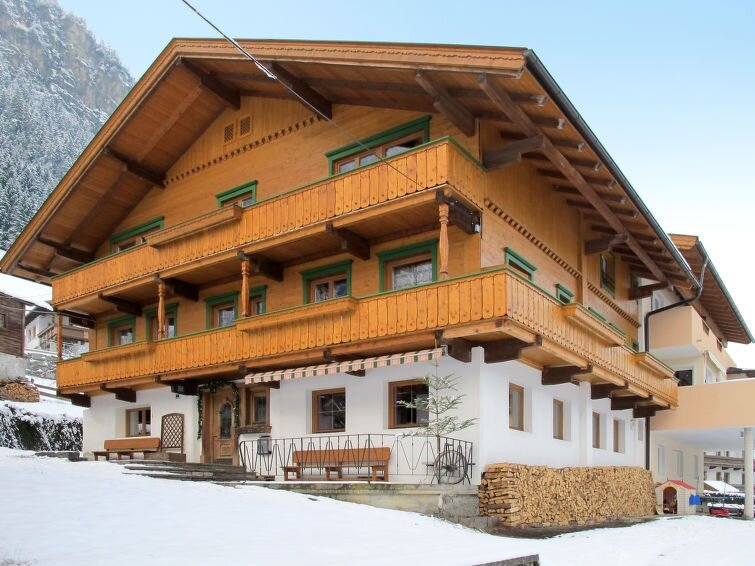 Vacation home Haus Rieplerhof  in Mayrhofen, Zillertal - 14 persons, 6 bedrooms, vacation rental in Mayrhofen