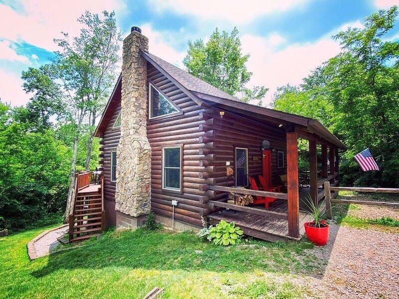 Liberty Ridge- 3BD3BA, Fire Pit, Deck, Hottub, Wifi, Rec Room, holiday rental in Logan
