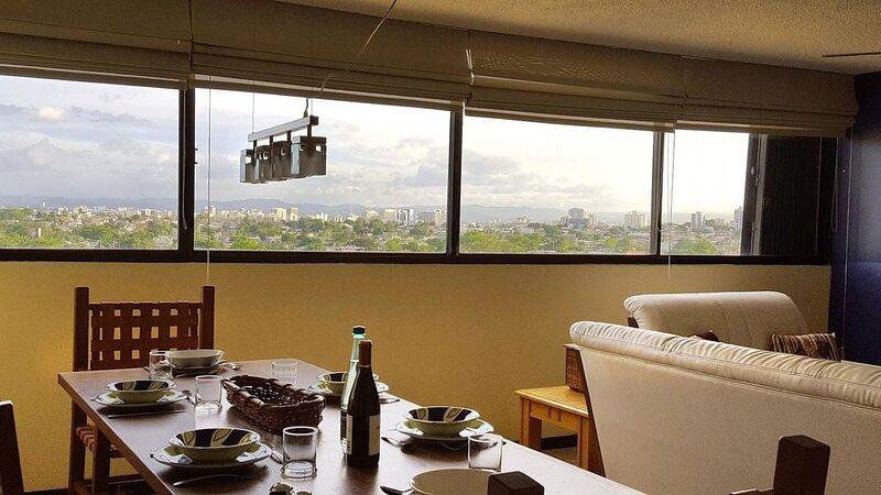 Bella Vista - Three Bedroom Apartment, Sleeps 8, alquiler de vacaciones en San Juan