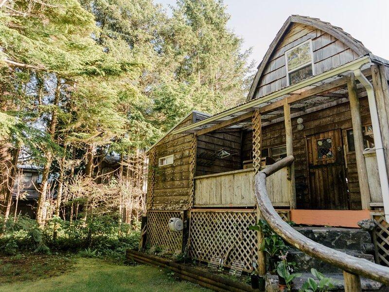 Michel's Cabin, Tofino B.C., vacation rental in Tofino
