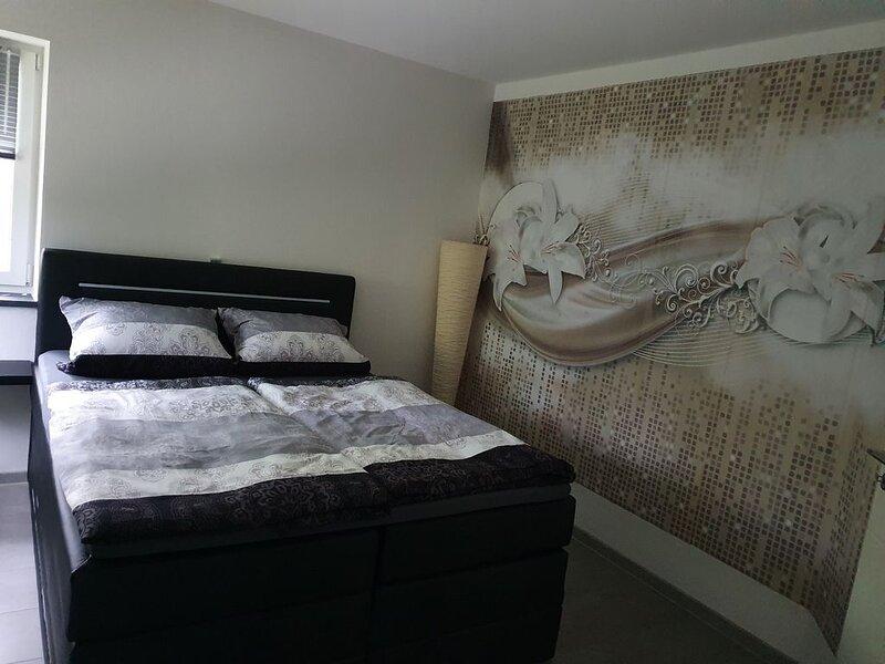 Ferienwohnung 75 m² voll ausgestattet, location de vacances à Tuessling