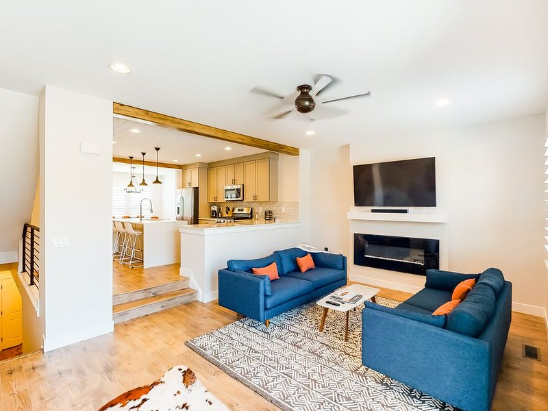 New listing! Brand new townhome close to Park City Resort & reservoir - dogs OK!, location de vacances à Peoa