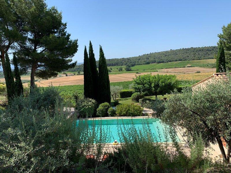 Villa with pool for 6 persons, aluguéis de temporada em Aix-en-Provence