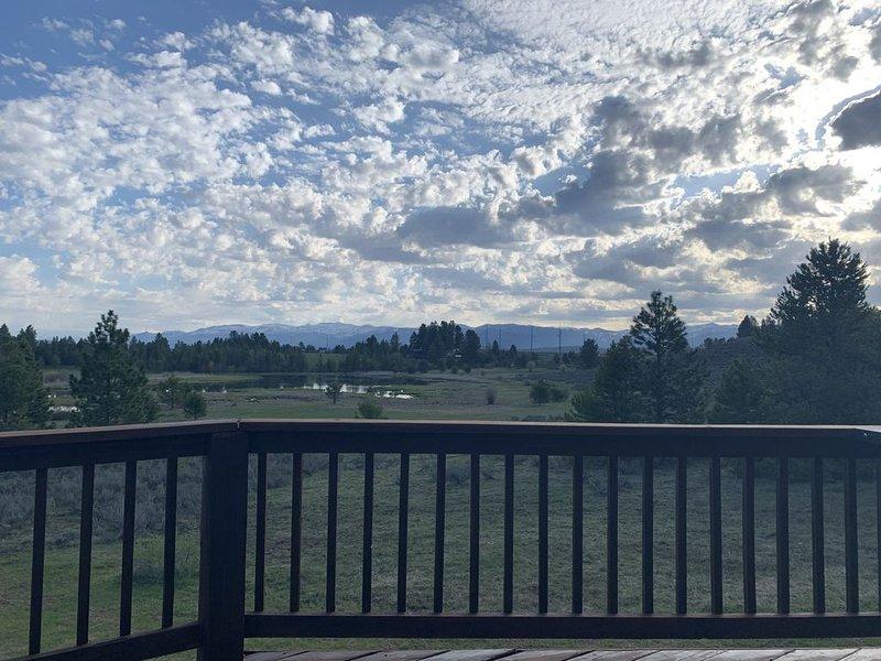 Spacious Cabin and Beautiful Views, location de vacances à Lake Fork