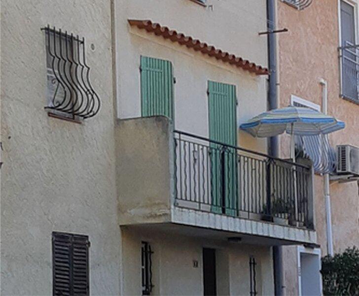 Maison de village, vacation rental in Collobrieres