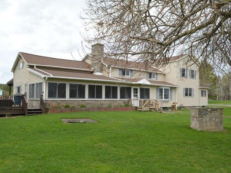 Wine Trail Apartment (pet friendly) - 4bd/2ba, holiday rental in Lodi