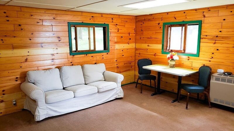 This camper cabin with attached bathroom makes the perfect summer camp retreat!, holiday rental in Lake City
