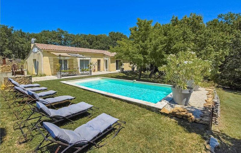 5 Zimmer Unterkunft in Grignan, casa vacanza a Reauville