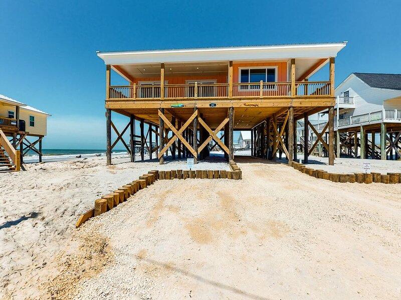 New listing! Amazing, dog-friendly, beachfront escape w/ full kitchen & balcony, holiday rental in Coden