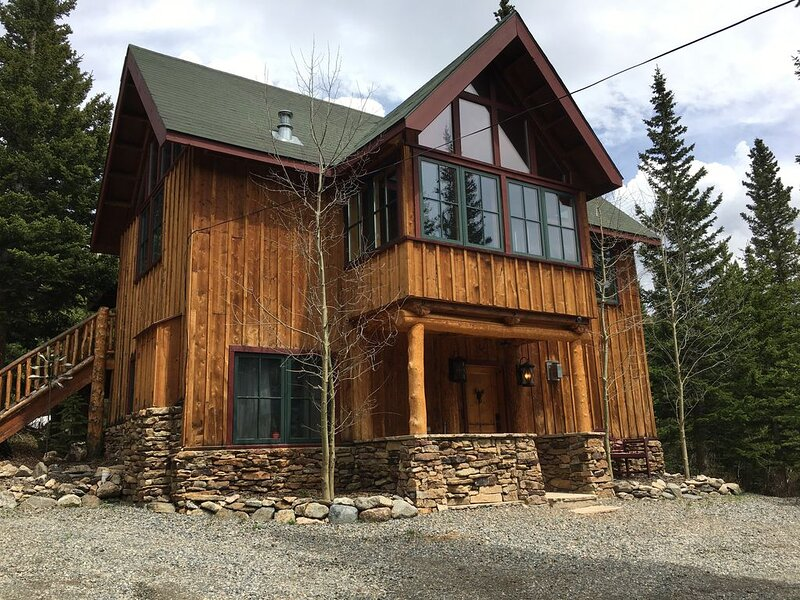 Amazing Views and Two Private Lakes - St. Mary's Glacier, vacation rental in Dumont