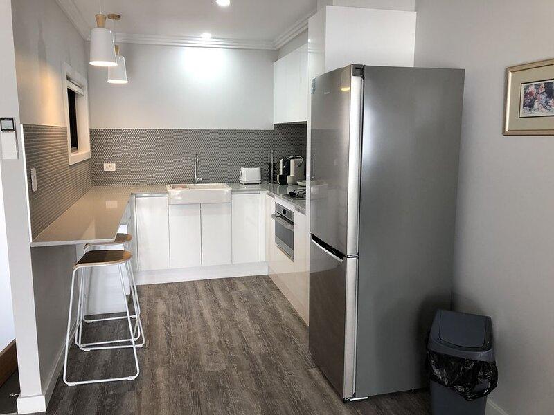 Snug Apartment Calala, holiday rental in Tamworth