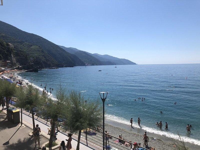 Monterosso Sea View Apartment, vacation rental in Monterosso al Mare