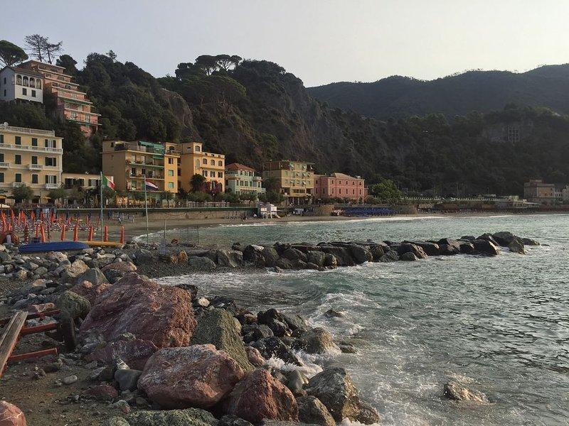 Monterosso Sea View Apartment, holiday rental in Monterosso al Mare