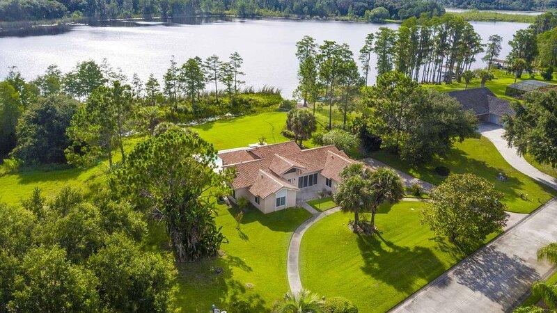SWISS 101 - Lake Olsen, holiday rental in Groveland