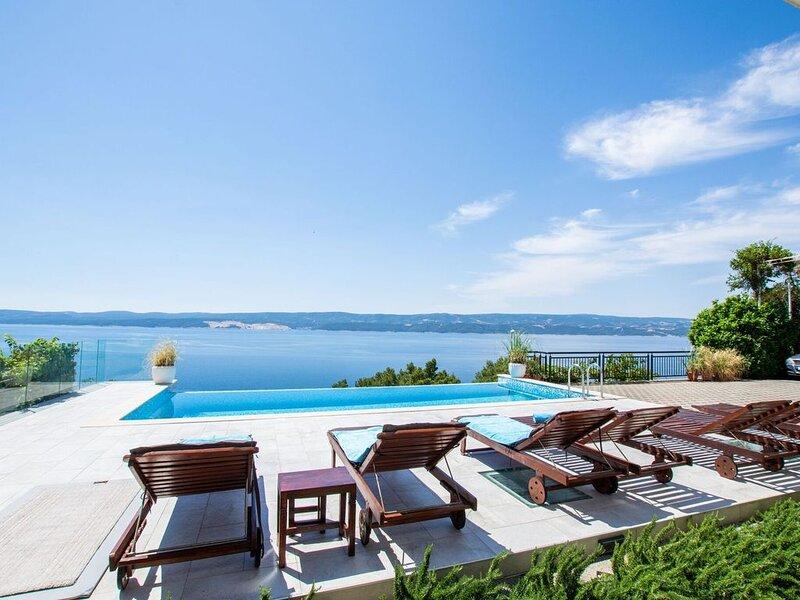 Snug Apartment in Celina with Swimming Pool, location de vacances à Celina