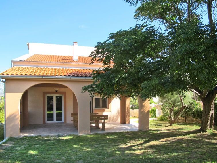 Vacation home Haus Lucija  in Razanac, Dalmatia - 7 persons, 3 bedrooms, holiday rental in Razanac