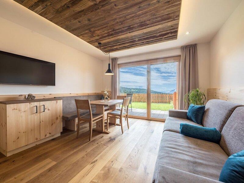 Ferienwohnung Thymian mit Bergblick, WLAN, Garten & Sauna; Parkplätze vorhanden, location de vacances à Postal