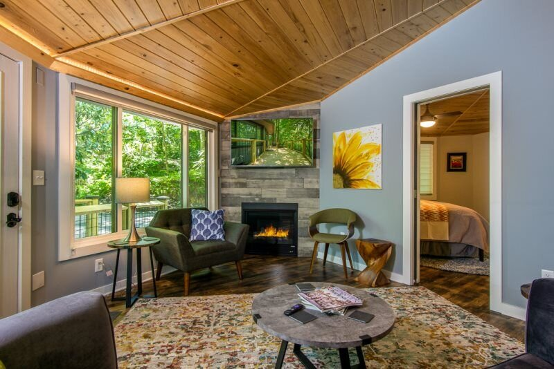 Vacation in Luxury Treetop Style, vacation rental in Rosman