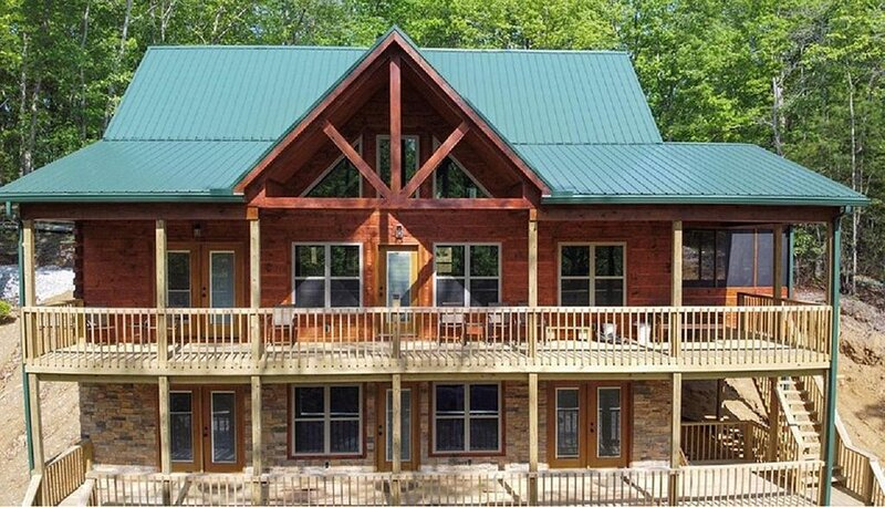 Newly built large cabin, holiday rental in Rogers