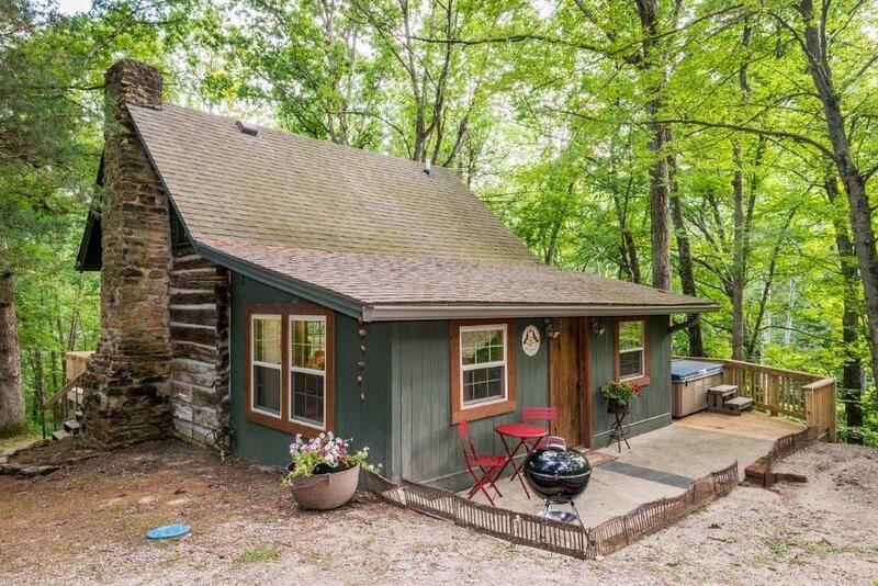Hop, Skip and Jump Log Cabin, alquiler de vacaciones en Nashville