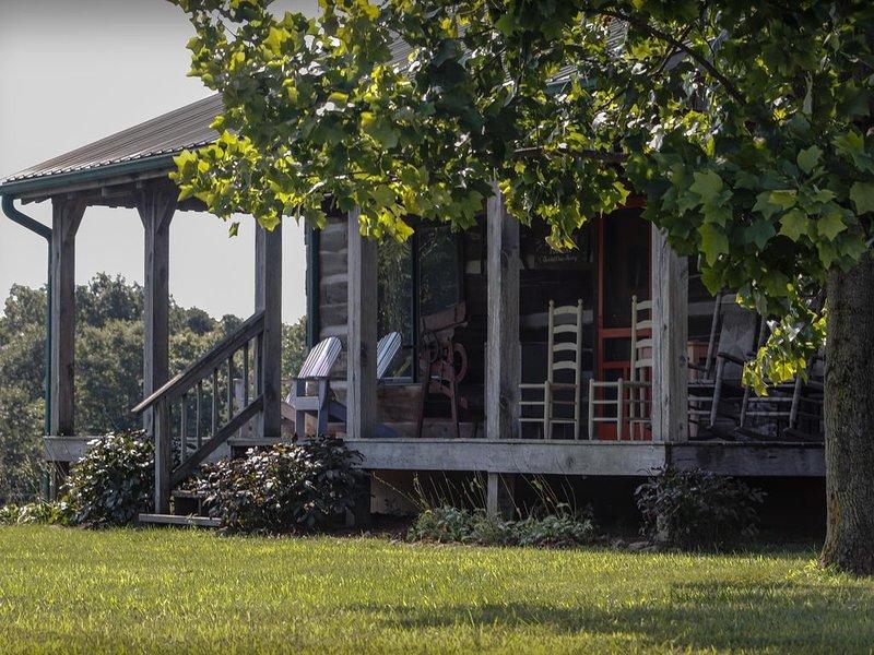 Bittersweet Farm Log Cabin, holiday rental in Morgantown