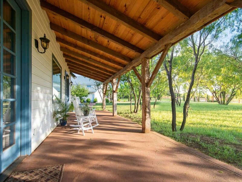 BRAND NEW! Craftsman Country Cottage, casa vacanza a Waco