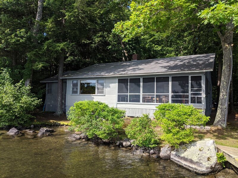 Authentic Wolfeboro cottage on Lake Winnipesaukee., vacation rental in Wolfeboro